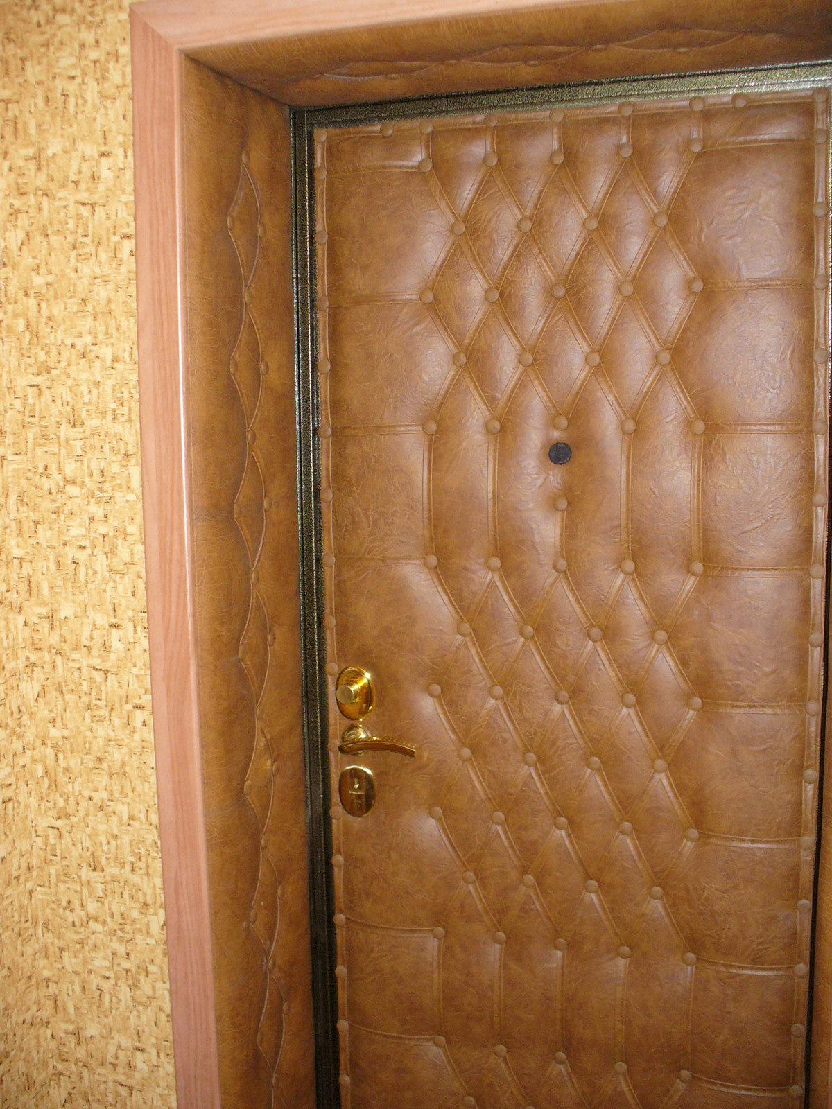 Отделка входной двери изнутри своими руками 8